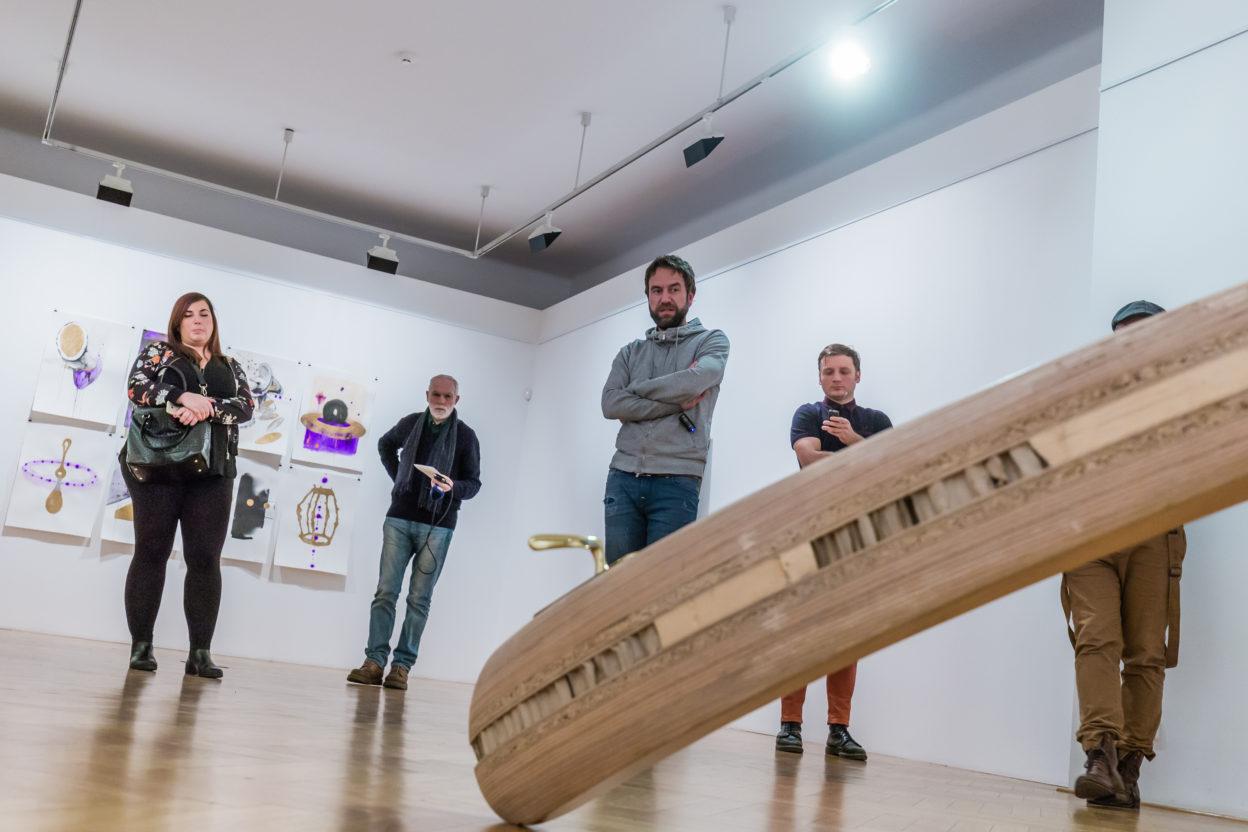 MILAN CAIS  –  poslední komentovaná prohlídka výstavy DVEŘE DOVNITŘ