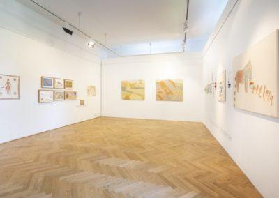 © Galerie Villa Pellé 2019, foto: Eva Malúšová : instalace výstavy Alžběta Skálová, Chůze v šeru2
