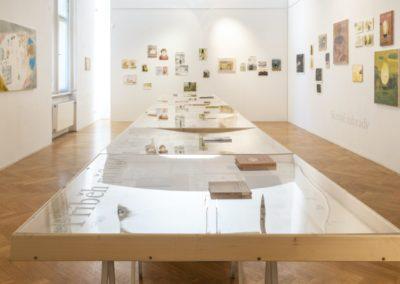 © Galerie Villa Pellé 2019, foto: Eva Malúšová : instalace výstavy Alžběta Skálová, Chůze v šeru23