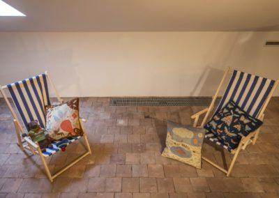 © Galerie Villa Pellé 2019, foto: Eva Malúšová : instalace výstavy Alžběta Skálová, Chůze v šeru36