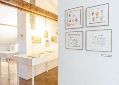 © Galerie Villa Pellé 2019, foto: Eva Malúšová : instalace výstavy Alžběta Skálová, Chůze v šeru45