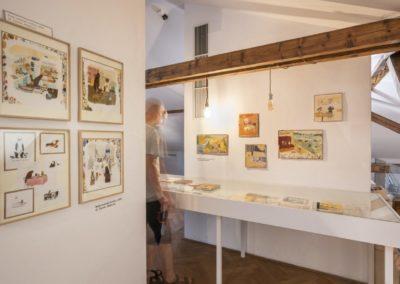 © Galerie Villa Pellé 2019, foto: Eva Malúšová : instalace výstavy Alžběta Skálová, Chůze v šeru55