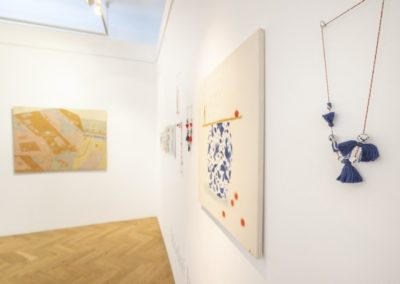 © Galerie Villa Pellé 2019, foto: Eva Malúšová : instalace výstavy Alžběta Skálová, Chůze v šeru8