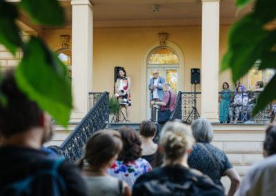 © Galerie Villa Pellé 2019, foto: Eva Malúšová : vernisáž výstavy Alžběta Skálová, Chůze v šeru45