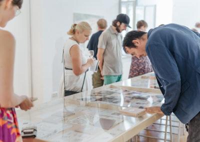 © Galerie Villa Pellé 2019, foto: Eva Malúšová : vernisáž výstavy Alžběta Skálová, Chůze v šeru58