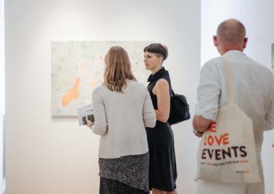 © Galerie Villa Pellé 2019, foto: Eva Malúšová : vernisáž výstavy Alžběta Skálová, Chůze v šeru68