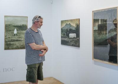 © Galerie Villa Pellé 2019, foto: Eva Malúšová : vernisáž výstavy Alžběta Skálová, Chůze v šeru94