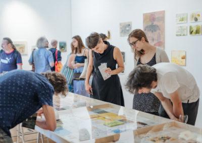 © Galerie Villa Pellé 2019, foto: Eva Malúšová : vernisáž výstavy Alžběta Skálová, Chůze v šeru95