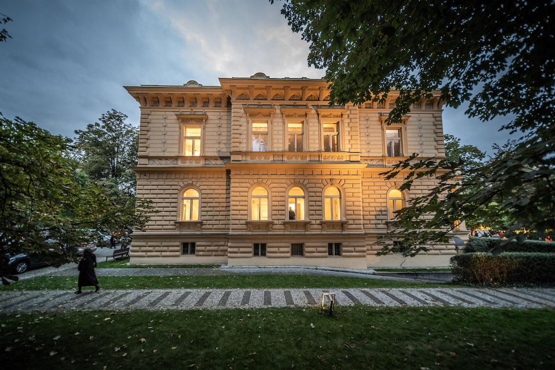 Azajtókzáródnak INSTALACE - © Galerie Villa Pellé 2019, foto Tomáš Rubín - 84